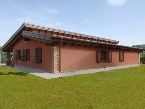 Libianchi s r l case in legno prefabbricate roma tetti for Strutture prefabbricate in legno