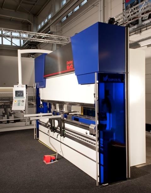Vicla macchine per lamiera tecnomacchine vendita presse for Arredamenti parravicini