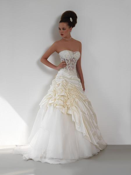 official photos 58014 48310 ATELIER SPOSA FASHION: Abiti da sposa, Abiti da sposo, Abiti ...
