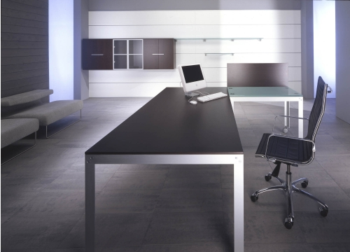 ... arredamento per ufficio, scrivania, parete divisorie, sedie, mobili